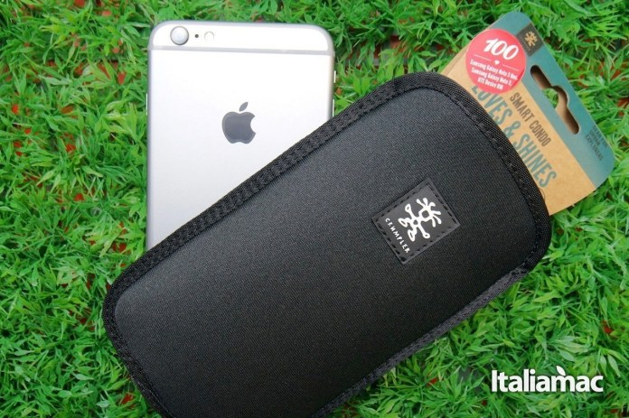 Clumpler Cover neoprene 1 Crumpler Smart Condo 100, una cover a pochette per iPhone 6 Plus
