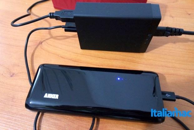 anker alimentatore 6 porte usb2 620x414 Anker, alimentatore a 6 porte USB da parete con Tecnologia PowerIQ