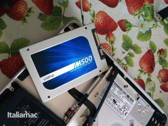 %name Foto istallazione SSD Crucial M500 su un MacBook Pro