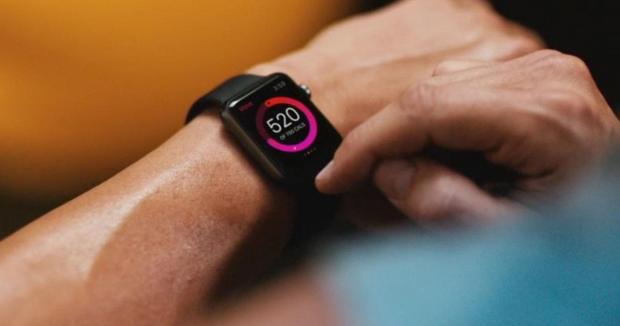 apple watch 620x326 Apple Watch in Italia dal 26 Giugno 2015, è ufficiale.