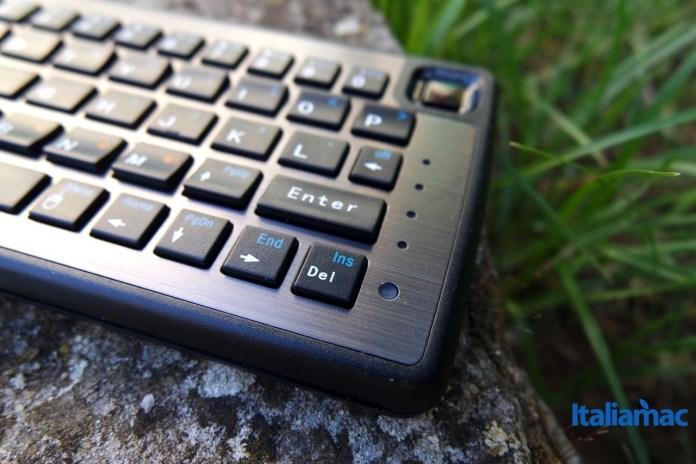 mobilefun tastiera bluetooth6 MobileFun: Tastiera Bluetooth e Trackpad Dual Connect Slimline per iDevice