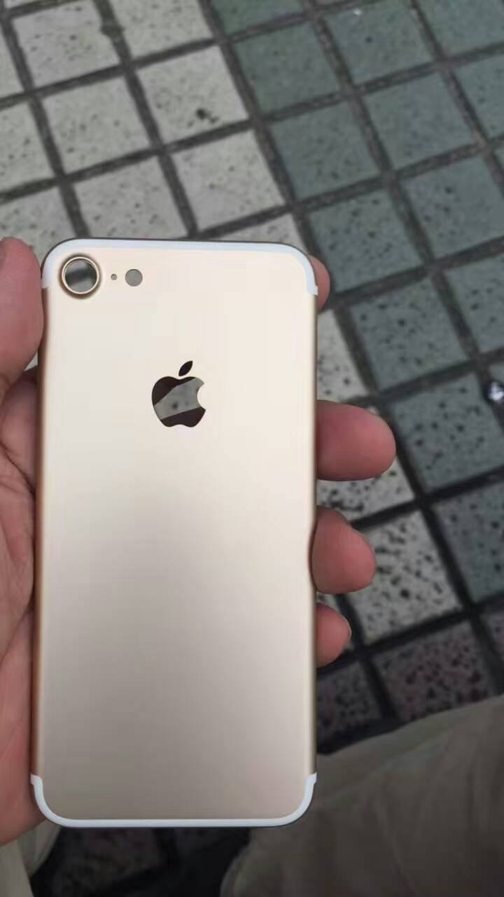 iphone 7 backplate nowhereelse 001 Apparse nuovo foto del presunto iPhone 7
