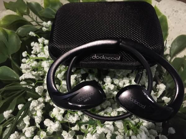 img 3591 Praticate il vostro sport preferito con le cuffie wireless in ear di Dodocool