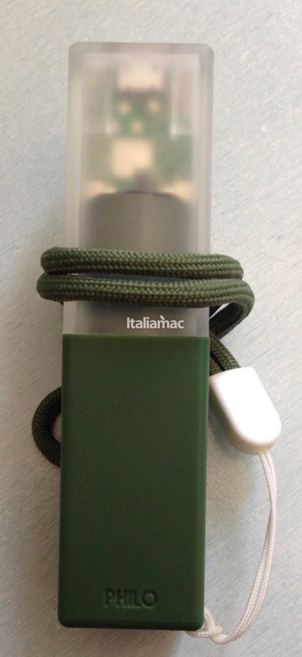 Philo battery 5 589x1280 Power bank by Philo, chi ha detto che le batterie esterne non possano essere colorate?