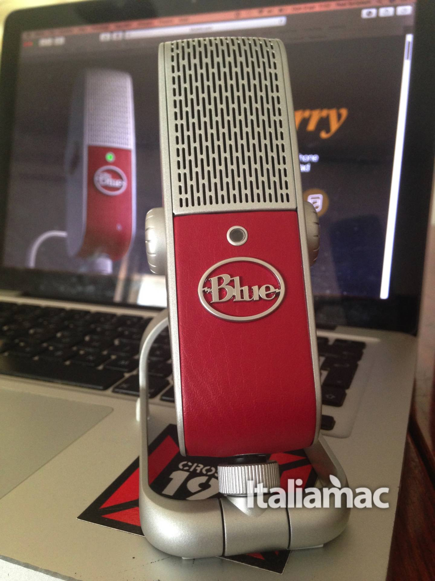 %name Raspberry, il microfono di Blue Microphones per Macbook e iPhone