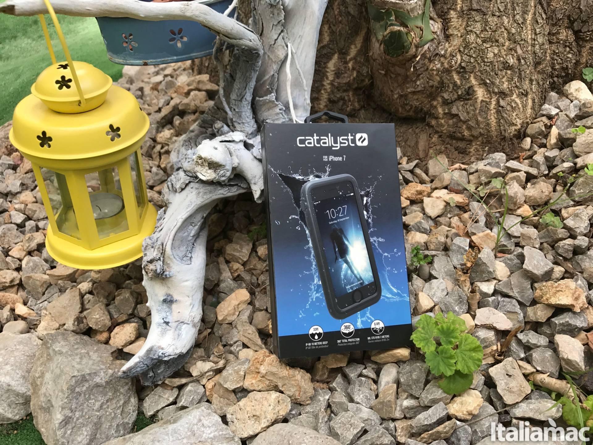 %name Catalyst: Il case impermeabile fino a 10 metri per iPhone 7