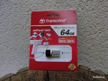 %name JetFlash 890S: La USB Drive con doppio connettore USB C e USB 3.0/3.1