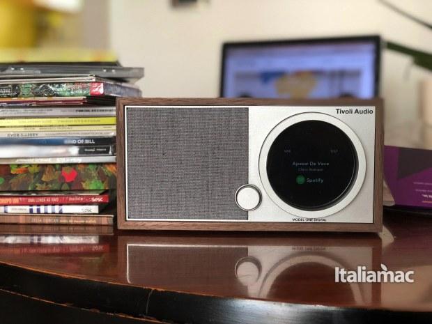 italiamac modern one digital spotify 620x465 Model One Digital di Tivoli, la grande musica direttamente dal futuro.