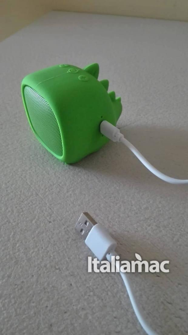italiamac quishini dino microusb 620x1105 Qushini lo speaker bluetooth per ascoltare musica con stile