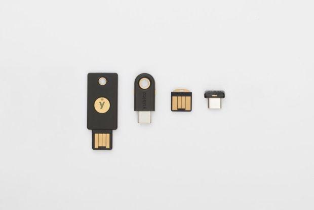 italiamac yk5 family standalone 1 1030x687 620x414 YubiKey 4: molto più di una smart card