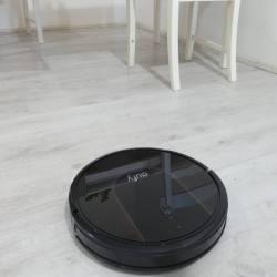 Eufy RoboVac 30C: Il robot aspirapolvere che si controlla da smartphone
