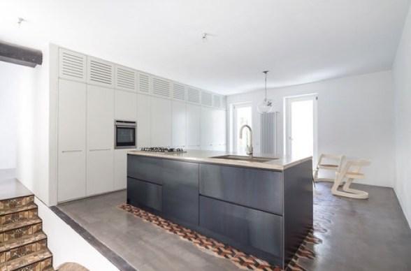 italian interior Minimal black kitchen, modern italian kitchen, italian kitchen design, Italian home interior
