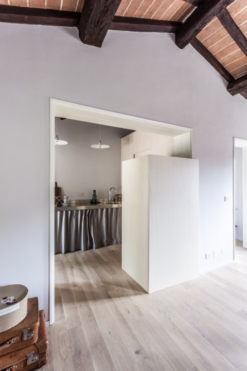 italian-apartment-white-4