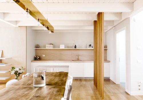 ITALIAN INTERIORS | Two simple and bright attics