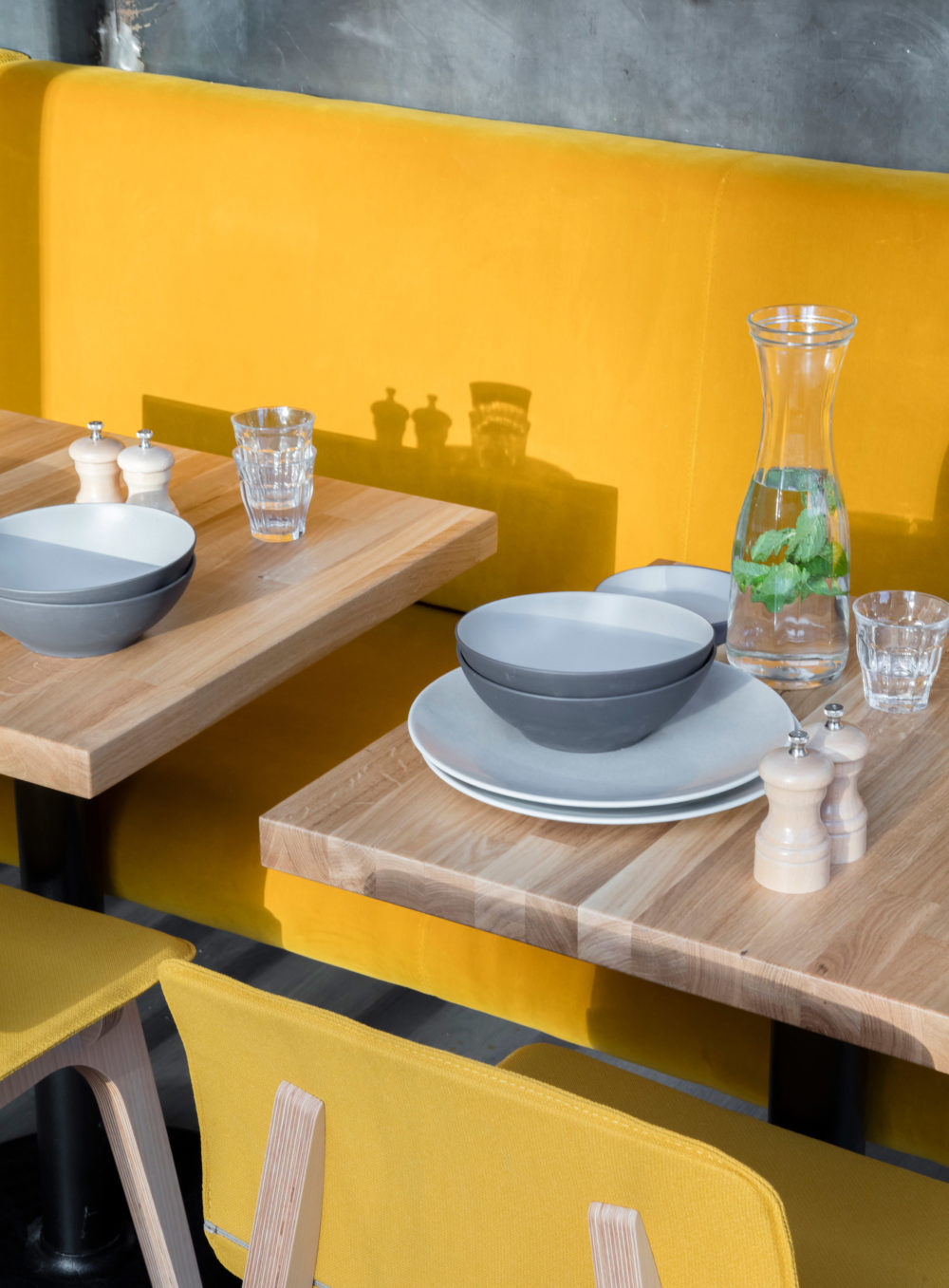 Restaurant Wall Color Design. Stunning Restaurant With Private ...