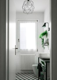 bathroom-before-after-small-bathroom-restyling-black-white-minimalist (19)