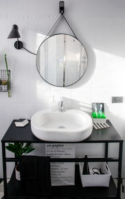 bathroom-before-after-small-bathroom-restyling-black-white-minimalist (21)