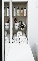 bathroom-before-after-small-bathroom-restyling-black-white-minimalist (4)