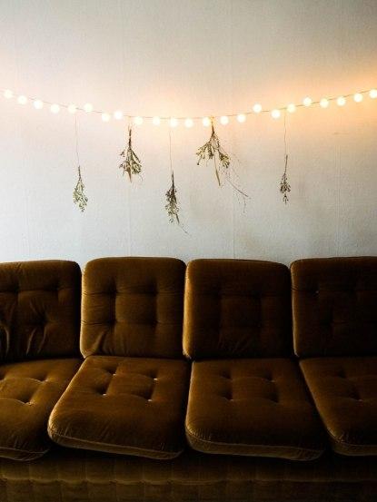 christmas-diy-light-garland-pingpong-led-lights (15)
