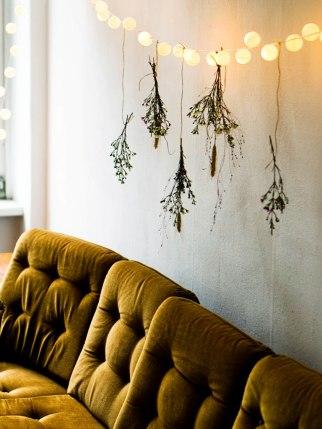 christmas-diy-light-garland-pingpong-led-lights (9)