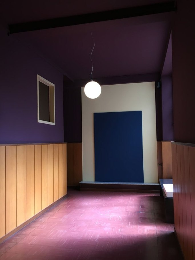 Pantone 2018 ultra violet decor, violet interiors, pink purple interior