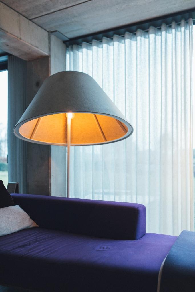 Pantone 2018 ultra violet decor, violet interiors