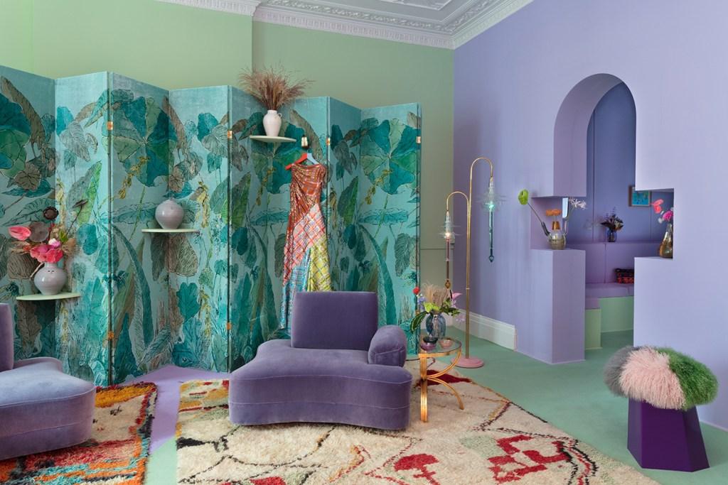 Pantone 2018 ultra violet decor, violet and green