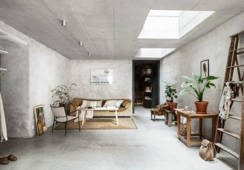 HOME TOUR | The beauty of raw concrete walls in a Scandinavian interior