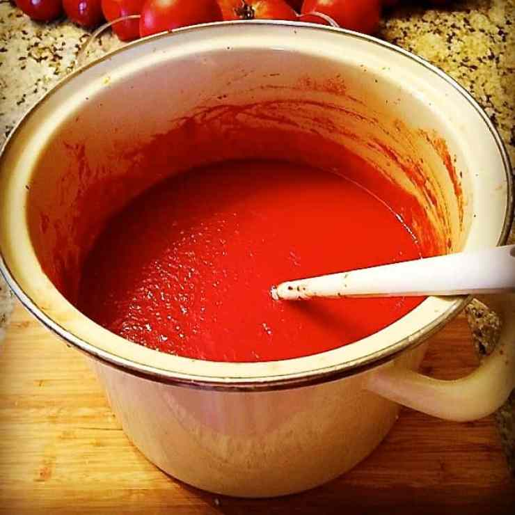 AUTHENTIC, Pure, Simple and Fresh Italian Marinara Sauce