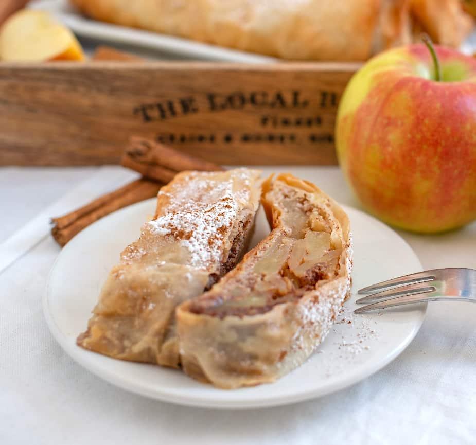 Classic Apple Strudel ~ Strudel di Mele ~ Lal Bella Vita Cucina