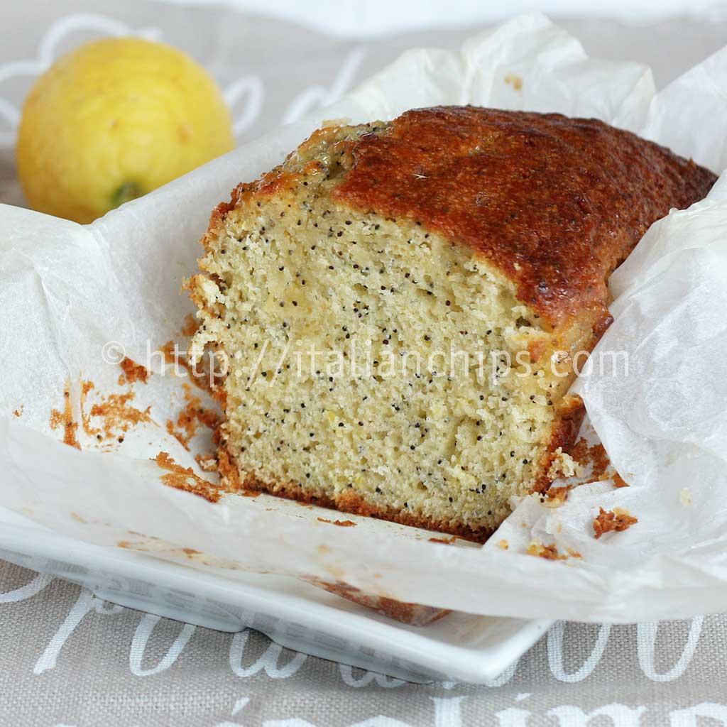 A Delicious Lemon & Poppy Seed Cake For Breakfast