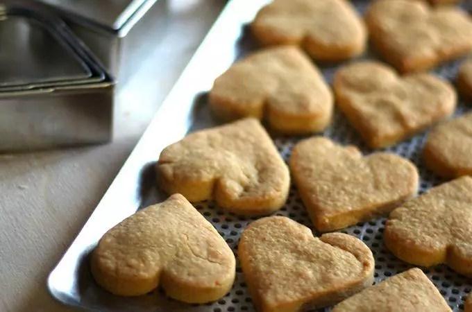 Biscotti salati alla paprika e formaggio