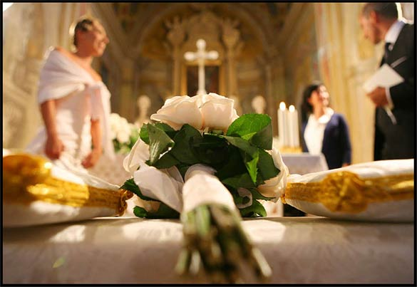 country-wedding-religious-ceremony-Italy