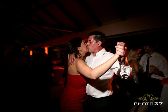 Dances and open bar wedding in Cascina Langa
