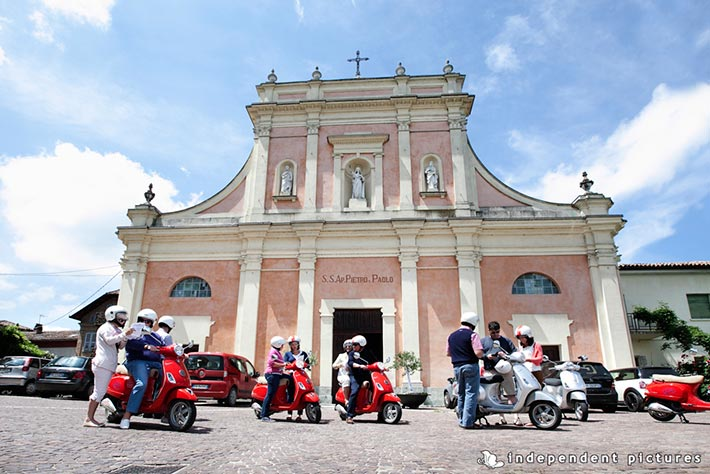 09_Vespa-tour-weeding-in-Langhe