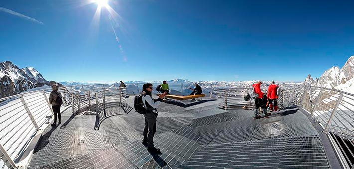 Breaking News… a legal civil ceremony on Top of Mont Blanc!