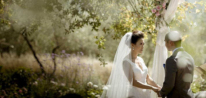 A relaxing wedding over the hills of Tuscany
