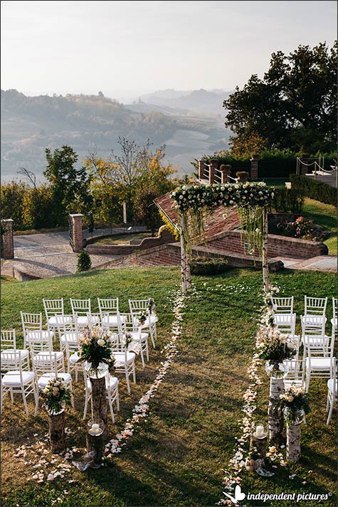 outdoor-ceremony-piemonte-countryside