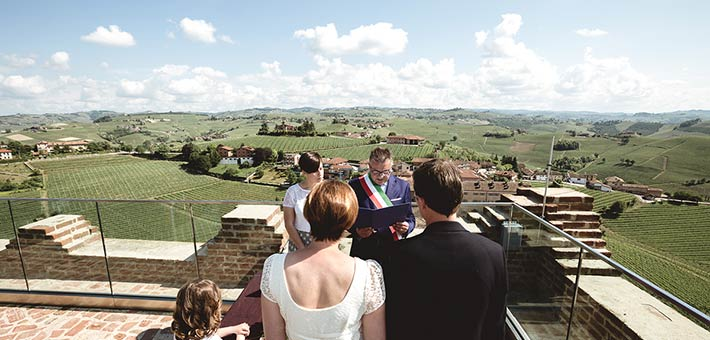 Elope in Langhe vineyards