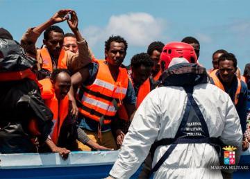 Operazione Mare Nostrum della Marina Militare italiana. Foto http://www.marina.difesa.it