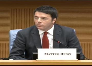 Il Presidente del Consiglio Renzi alla conferenza stampa di fine anno 2014. Fotogramma da Video Palazzo Chigi.
