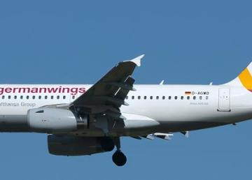 """Germanwings Airbus A319-132"" di Aldo Bidini - http://jetphotos.net/viewphoto.php?id=7583989&nseq=0. Con licenza GFDL 1.2 tramite Wikimedia Commons."