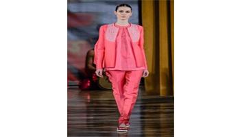 Almeno Roma brilla per moda <br> Le proposte di Altaroma <br> di Elisa Josefina Fattori