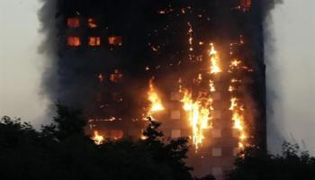 Londra in fiamme la Grenfell Tower
