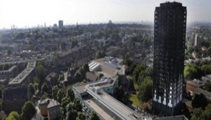 Londra - Grenfell Tower - 550x189x2505406_1225_gt.jpg.pagespeed.ic.SFVkKYq6k5 - www-ilmessaggero-it - 350X200