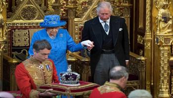 Londra. La regina Elisabetta «abolisce» le leggi dell'Unione Europea