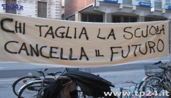 """<font color=""""#FF0000""""> """"MIGLIORARE LE CONDIZIONI DEGLI INSEGNANTI ITALIANI, NON SOLO ECONOMICHE MA ANCHE MORALI."""" <BR> <em/>Intervista a Rino Di Meglio – <BR> Coordinatore Nazionale Gilda Insegnanti</em> </font>"""