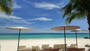 epa06646526 (FILE) - A view of White Beach along Boracay island coastline, Philippines, 30 June 2017 (issued 05 April 2018). According to news reports, President Rodrigo Duterte has approved the total closure of Boracay island for six months, effective April 26 to give way to its rehabilitation. Boracay island is one of the Philippines' top tourist destinations, according to the Department of Tourism. EPA/ATAHUALPA AMERISE
