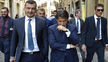 Lo stipendio di Rocco Casalino supera quello del premier Conte