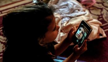 Oms: bimbi sotto i 4 anni mai più di un'ora davanti allo schermo